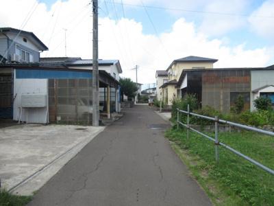 【前面道路含む現地写真】能代市出戸本町・売地