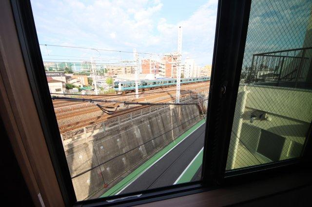 (撮影 21/08/23)晴れ 京浜東北線、高崎線、宇都宮線などの線路が隣にあります。現地にて音などの状況を確認お願いします。