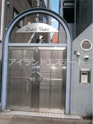 【エントランス】ドエルタク オートロック バストイレ別 駅近 2F以上