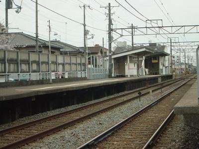 山陽電鉄亀山駅まで1,100m