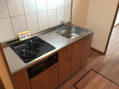 作業スペースも確保できるキッチン