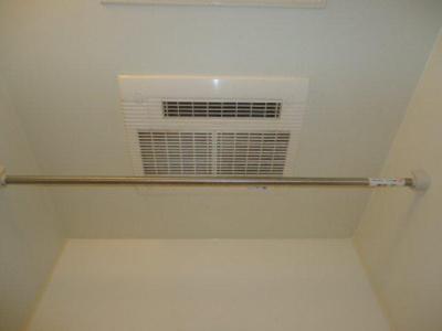 雨の日も安心浴室乾燥機