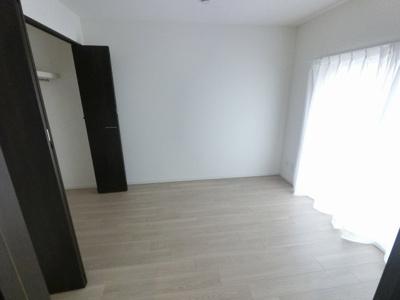 7.5帖の洋室は主寝室にいかがでしょうか。