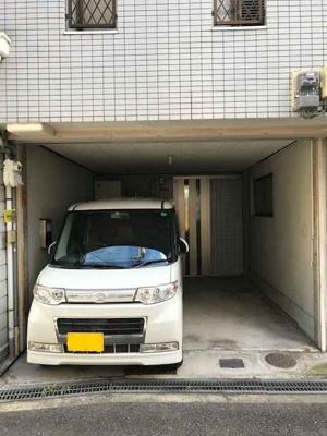 シャッター付駐車場あり!! 駐車場サイズ(幅約3.2m×奥行約4.0m×高さ約2.3m