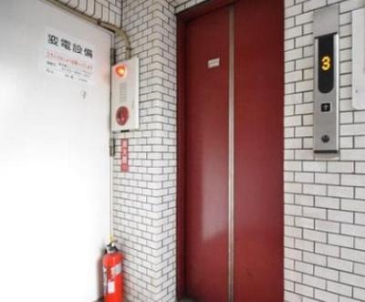 ケンコーハイツ北上野のエレベータ―です。