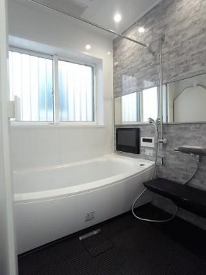 【浴室】【現地内覧会開催中】杉並区上荻3丁目 新築戸建 E号棟 8390万円