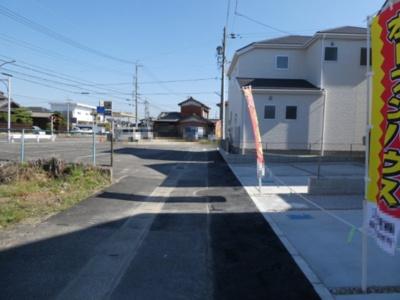 碧南市伏見町Ⅱ新築分譲住宅1~3号棟前面道路写真です。