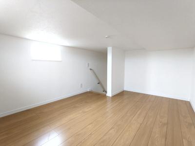 前面道路は幅員4m。