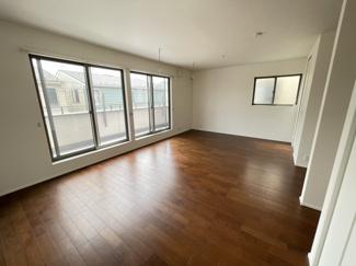 14.2帖の寝室 二部屋に区切る事も可能です。 ※別途費用が必要です。