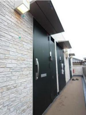 【玄関】リブリ・エスペランス 築浅 独立洗面台 ネット使い放題 バストイレ別