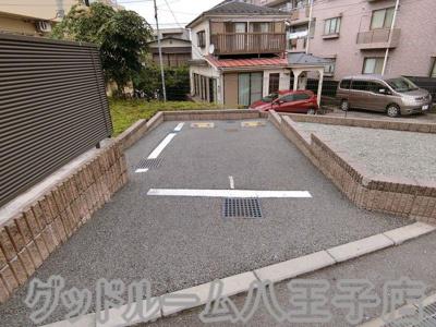【駐車場】レオネクストムーンハウス