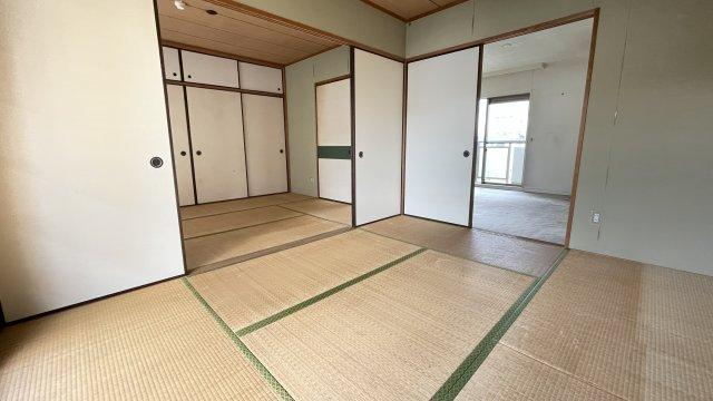 2間続きの和室。個室をつくることもできますし、あえてそのままフレキシブルにつかってもいいですね
