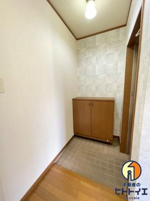【玄関】ウィンディハウス
