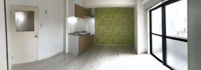 【居間・リビング】マノワール小佐野 ファミリー向け 2人入居可 独立洗面台