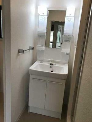 【洗面所】マノワール小佐野 ファミリー向け 2人入居可 独立洗面台
