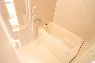 【浴室】イーバイユー新大阪