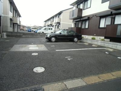 【駐車場】ロイヤルハイツ C