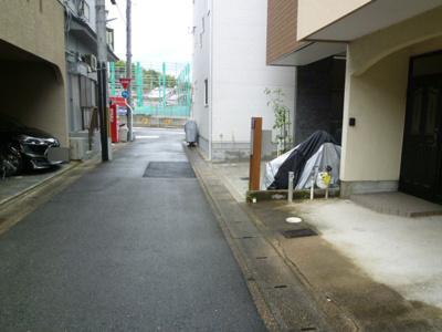 【前面道路含む現地写真】御陵塚ノ越町 一戸建