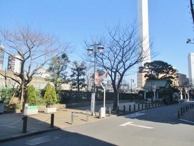 公園「池袋駅前公園まで621m」