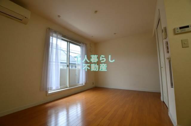 洋室8.2帖のお部屋です
