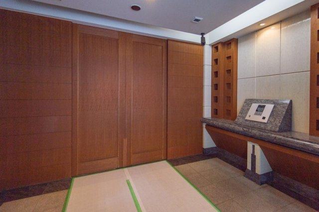 コスモ上野パークサイドシティ:オートロック付きで安心!