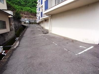 【駐車場】楠マンションA