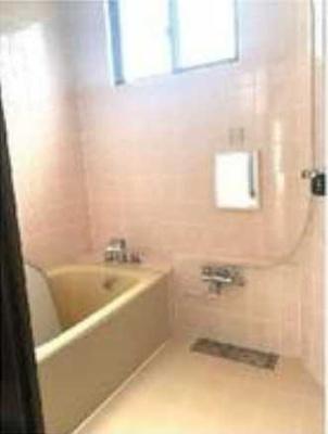 【浴室】冨岡貸家 一軒家 ファミリー向け 独立洗面台 駅近