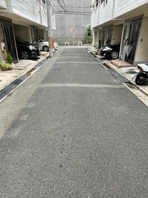 【前面道路含む現地写真】東大阪市東鴻池町5丁目 中古戸建