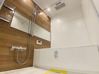 浴室換気乾燥機付きの浴室も新規交換済みです。水回りがキレイだと、新生活も気持ちよくスタートできそう