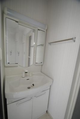 【独立洗面台】エルグランドパティオ壱番館