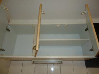キッチン吊り戸棚(別室写真)
