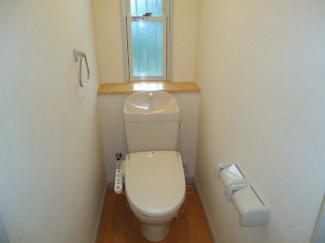 シャワー付トイレ(別室写真)