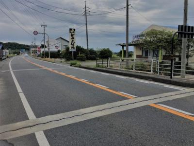 【前面道路含む現地写真】鳥取市気高町宝木 中古戸建て
