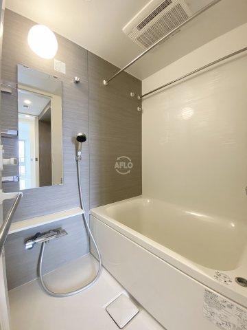 イニシアブランなんば 綺麗な浴室(追い焚き付)