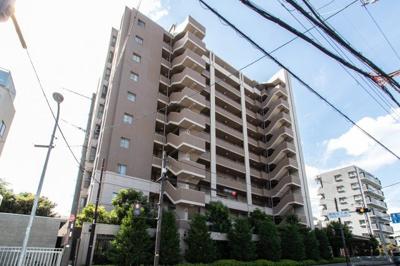 【現地写真】  総戸数64戸の 分譲マンションです♪