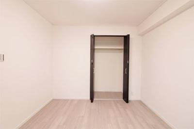 洋室 約6.1帖のクローゼット