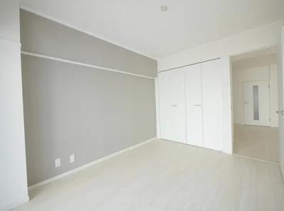 方南サンハイツの洋室です。