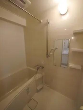 方南サンハイツのお風呂です。