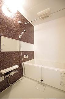 1216サイズの浴槽。ゆっくり入れます。