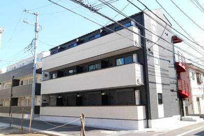 京浜急行線「大森町駅」徒歩4分です。