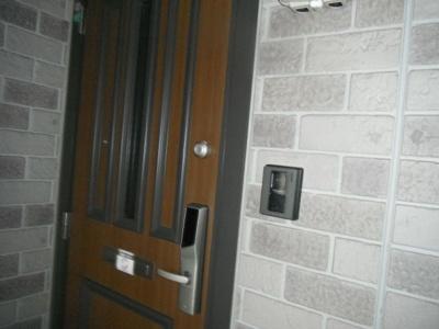 デジタルキーで開錠・施錠が便利です。