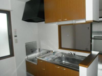 収納スペースがたくさんあるキッチン。
