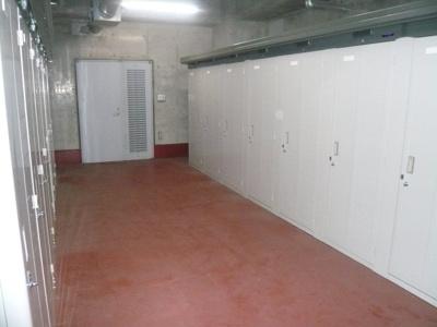 地下トランクルーム(別途契約/有料)