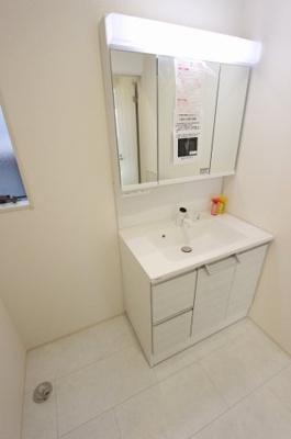 朝の支度にも助かる、独立の洗髪洗面化粧台:建物完成しました♪♪毎週末オープンハウス開催♪八潮新築ナビで検索♪
