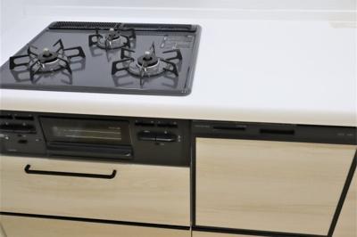 システムキッチン新調いたしました♪
