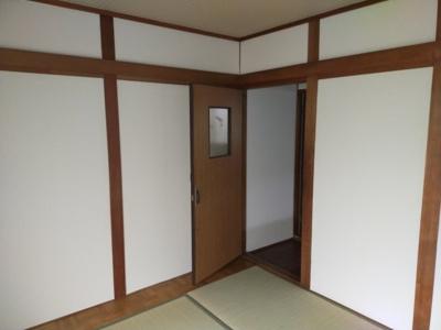 和室(4.5):リフォーム済で綺麗な室内です。