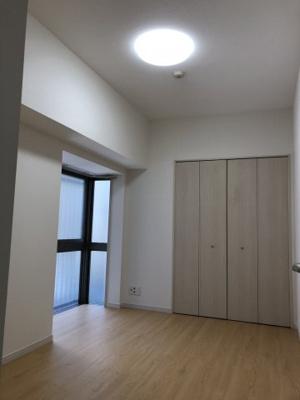 洋室6.5畳。