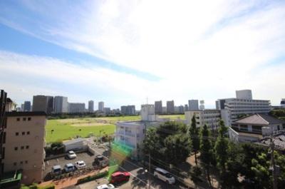 クレッセント多摩川緑地からの眺望です。