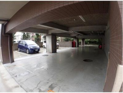 ◆駐車場スペースです。月額19000円/台※空き状況はお気軽にお問い合わせください。