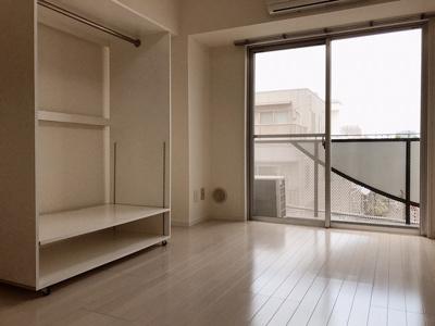 【居間・リビング】サンウイング三軒茶屋